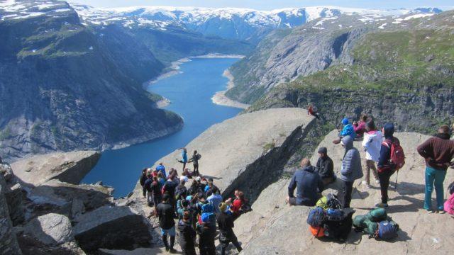 Vil bygge giganthytte for over 200 personer ved Trolltunga – NRK Hordaland – Lokale nyheter, TV og radio