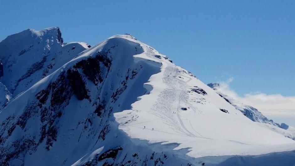 You are currently viewing Fjellfører Tommy advarer mot livsfarlig ferdsel i fjellet: – Jeg fikk hjertet i halsen!